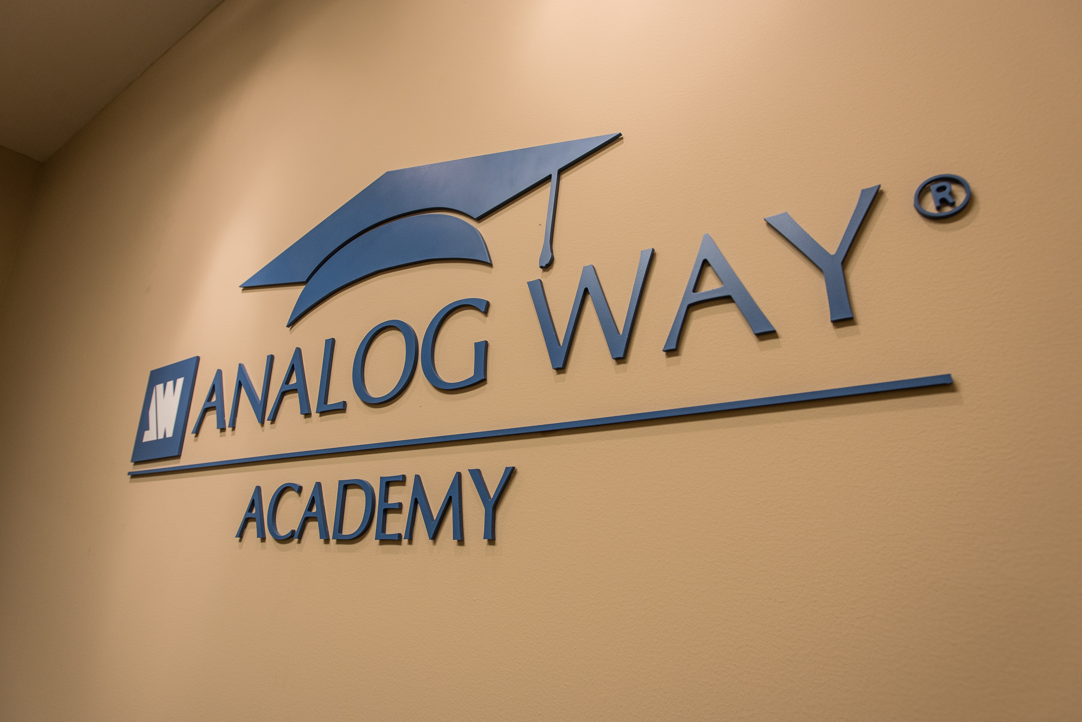 Visuel Analog Way Launches Its Training Academy