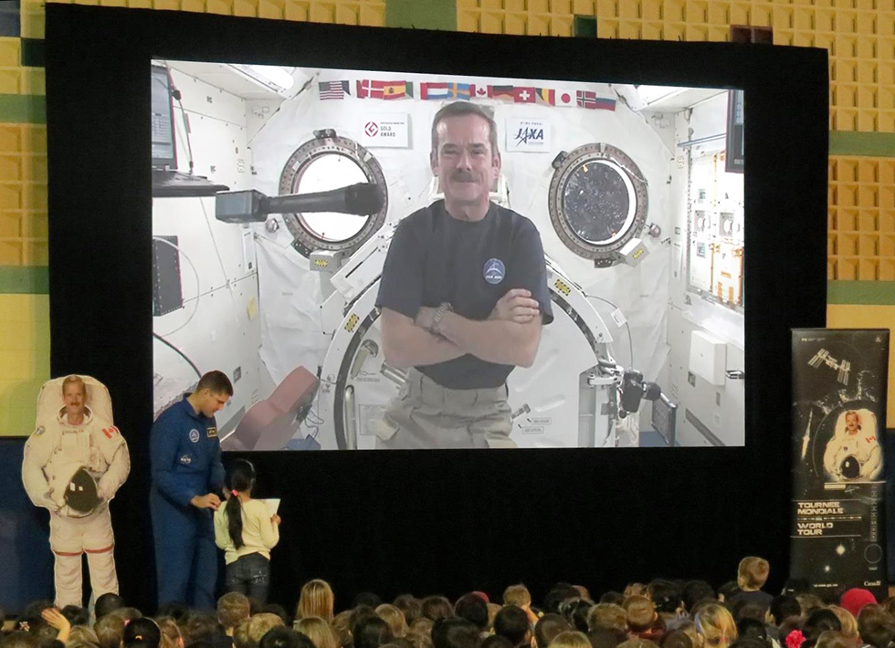 Visuel Canadian schools enjoy a live-from-space chat with the International Space Station